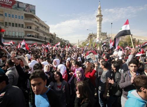 Syrie et projet israélien de démembrement du monde arabe Soutien-Bachar-al-Assad-Damas-ce-dimanche--e556a